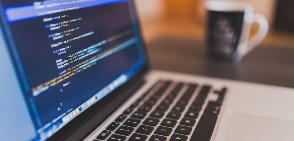 Things to consider while hiring a web design firm online